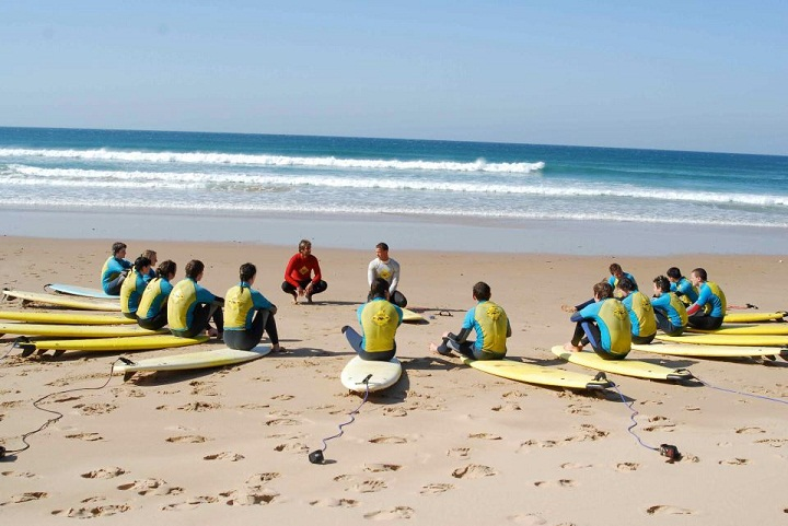 Surf Lessons with a big group
